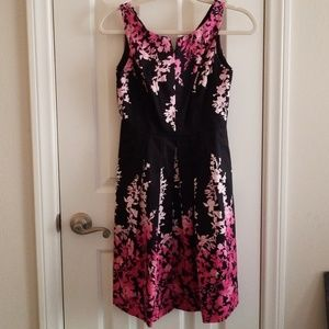 NWOT dress with pockets!